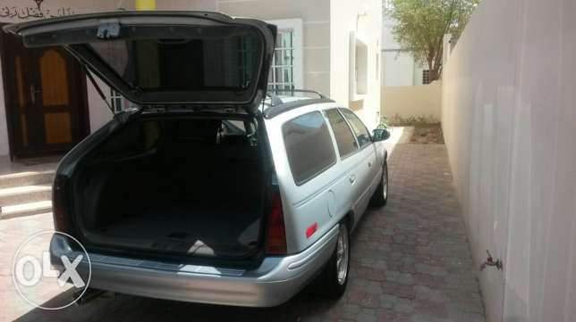 for sale ford tours 1993 مسقط -  1
