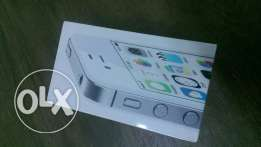 Iphone 4s 32gbnever used هاتف جديد غير مستخدم ابدا