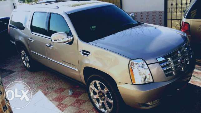 Cadilac esclade for sale only السيب -  4