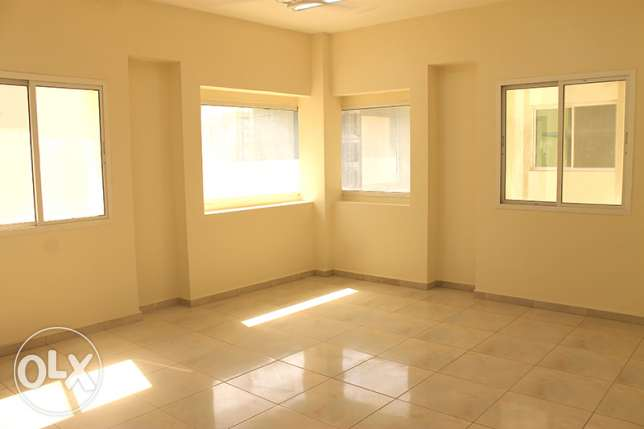 Convenient new Flats located in Bowsher (opposite the Dolphin village) مسقط -  2