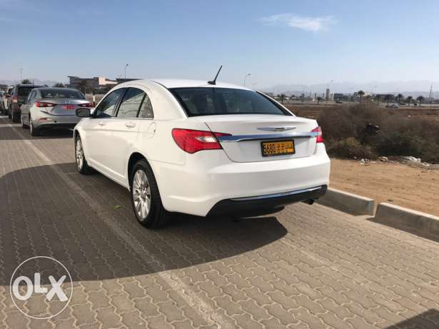 Chrysler 2013 C200 under warranty low mileage مسقط -  1