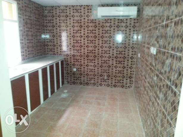 2bhk flat in alkhwuair بوشر -  4