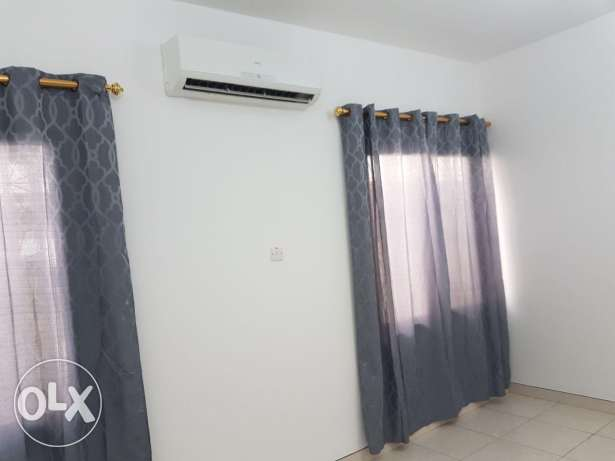 Flat for rent in alkhuwair new