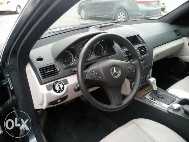 Mercedes 2009 c230 only done 74,000km and new tiers & battery