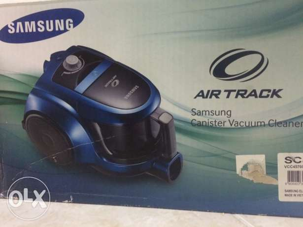 Samsung Air-track Vacuum cleaner SC4570 rarely used.