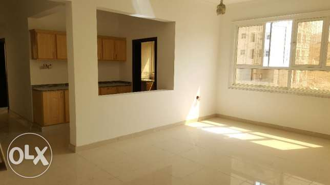 2 BHK + maid's room in bausher For rent