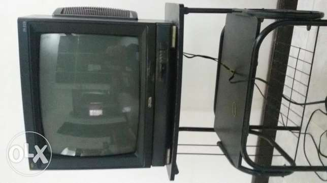Onida 20 inch TV with stand