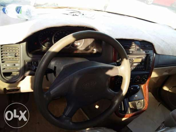 kia carnval avaiable for sale صحار -  4