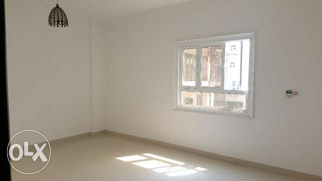 2bhk with maidroom in Bausher Street for Rent Near dolphin village مسقط -  4