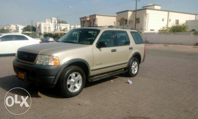 Ford explorer 2005 very clean like new