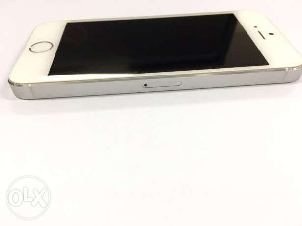 Iphone 5s 64 GB Excellent Very بوشر -  3