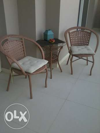 outdoor 2 chairs and 1 table imed sale مسقط -  1