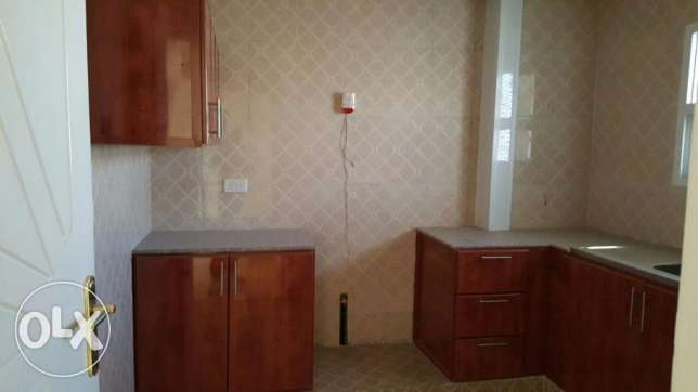 w1 flat for rent in al khouweir 42 2bhk بوشر -  3