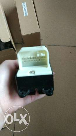 Toyota rav4 door switch مسقط -  1