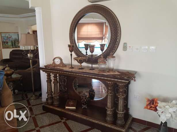 Console with mirrors كونسول مع مرايا
