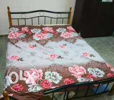 Double cot with matress n seeb souq3