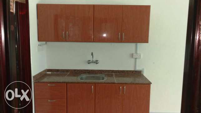 room with private bathroom and American kitchen in the HALL Ghoubra 18 مسقط -  6