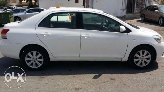 2011 Toyota Yaris - Excellent condition