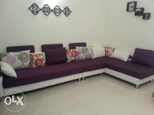 L shape sofa set from homes r us in excellent condition fw months used السيب -  2