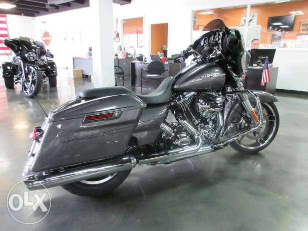 2015 davidson harley with full warranty for sale.