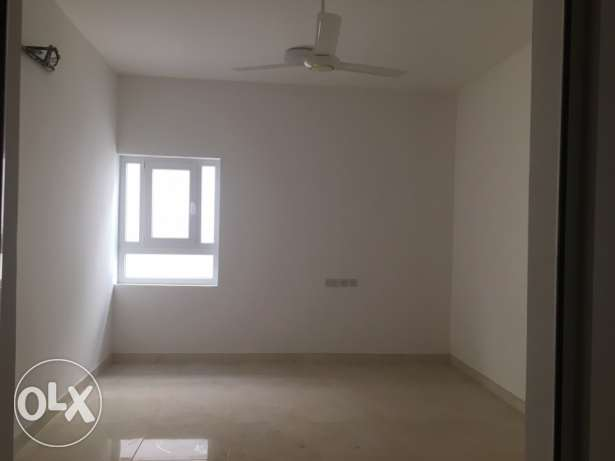 flat and shops for rent مسقط -  2