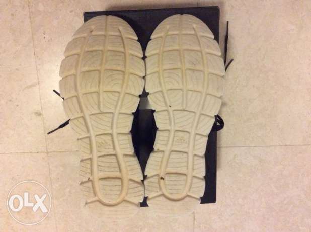 Adidas shoes ( like new ) مسقط -  3