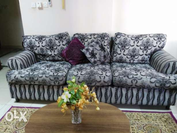Sofa for sale مطرح -  2