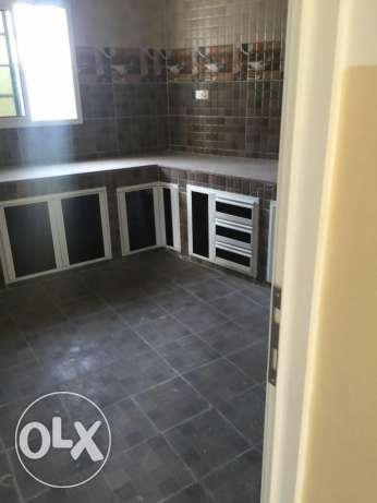 House for sale in seeb sherajah neer the beach.