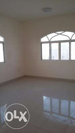 new flat for rent in almawaleh south with 2 balcony مسقط -  5