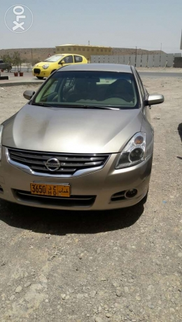 2012 Altima excellent condition oman wakala 95000 km only