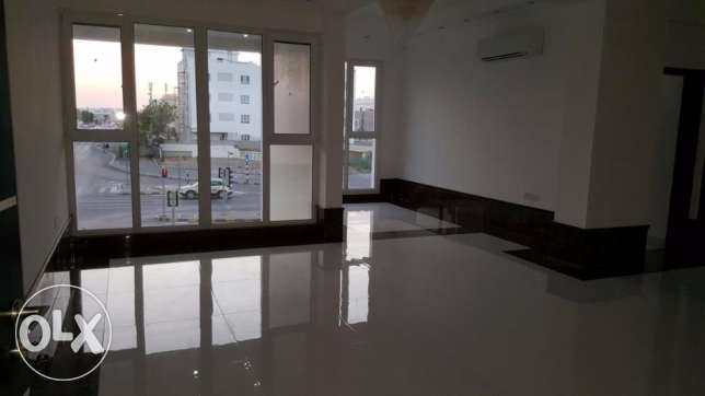 e1 brand new flat for rent in al ozaiba 2 bedroom in verry good بوشر -  3