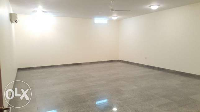 6BHK Beautiful Townhouse in Madinant Sultan Qaboos Near British Counse مسقط -  7