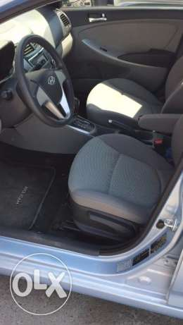 Salon Hyundai Accent 1.6 Model 2013 full automatic oman agency مسقط -  6