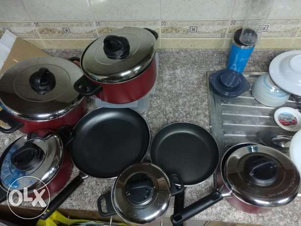 9 Pieces Cooking Pans ( Excellent Condition) - Same like new مسقط -  1