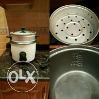 Rice cooker with steamer function