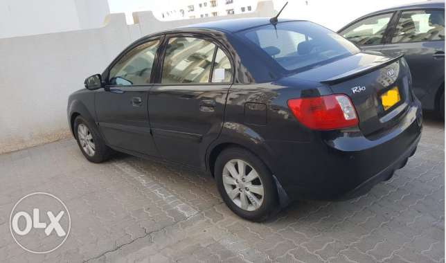 kia rio 2011 - top of the range edition -well maintained بوشر -  2