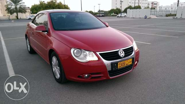 VW Eos 2008 Convertible Turbo dealer service low mileage as new مسقط -  5