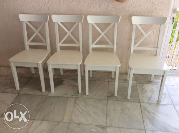 IKEA Ingolf dining chairs (4).incl. red removable/washable cushions
