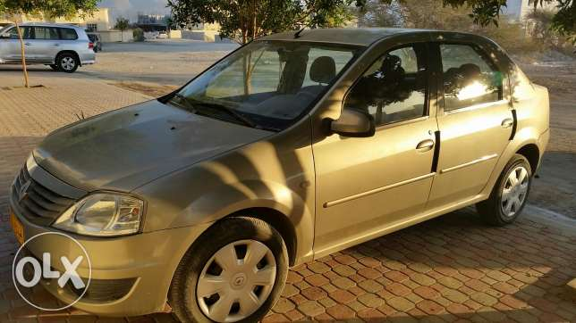 Logan for sell low mileage مسقط -  2