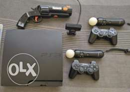 PS3 Slim+20 games+2 controllers+1 eye cam+2 move controller+1 move gun
