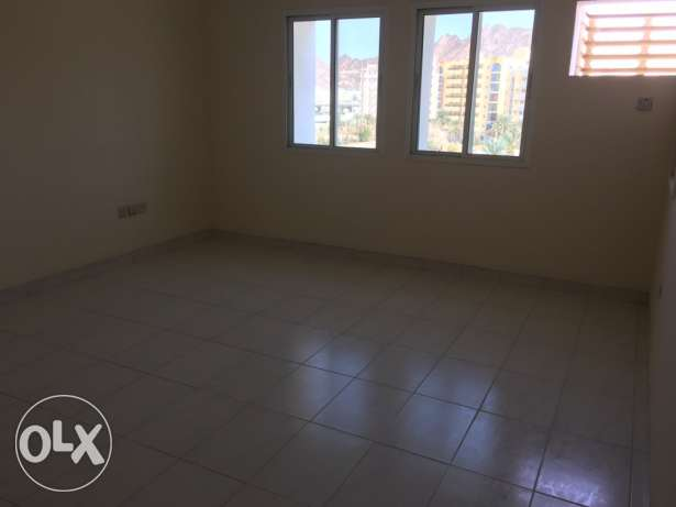 big Room for rent executive bachelor wadi kabir مسقط -  3