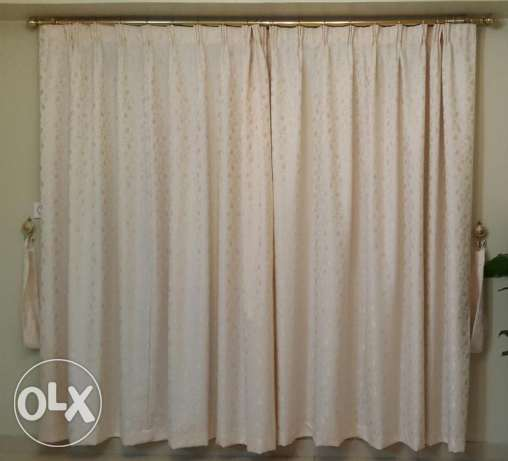 Soft cream colored curtain - Clearing off sale الغبرة الشمالية -  1