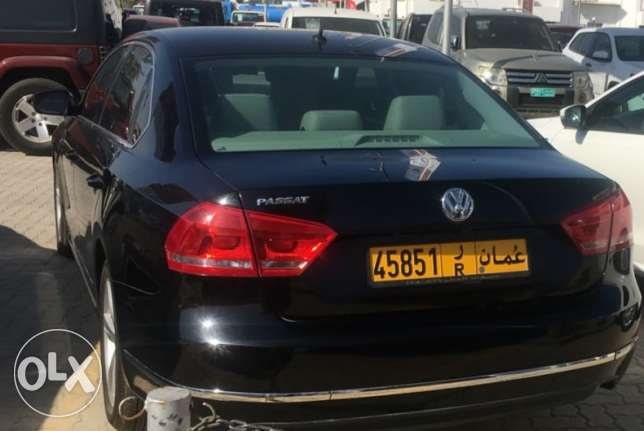 VW Passat 2.0 SEL leather seats Moon roof Service history Warranty مسقط -  2