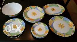 Dinner set - Clearing off sale