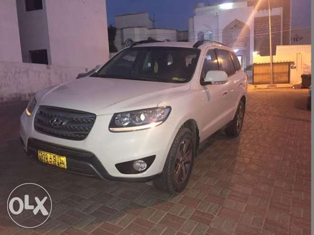 2012 Hyundai Santa Fe for sale مسقط -  1