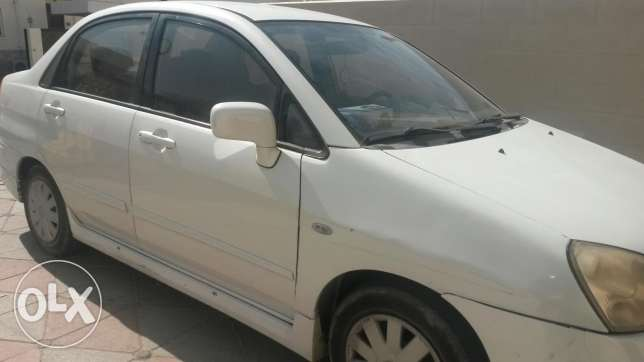 Suzuki car for urgent sale مسقط -  4