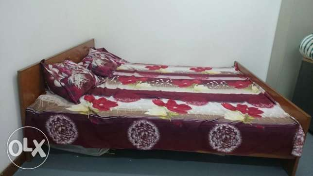 Kingsize bed with mattress مسقط -  2