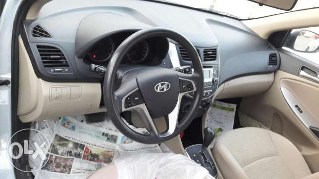 Hyundai accent 1.6 in good condition at wadi kabir مسقط -  4