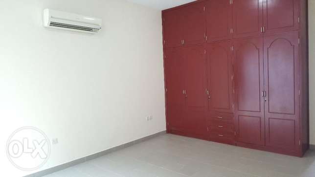 6BHK Beautiful Townhouse in Madinant Sultan Qaboos Near British Counse مسقط -  6