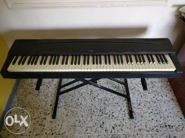 Yamaha Electronic Piano with stand for Sale Model P70 مسقط -  1